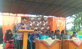 Mewakili Wakil Bupati Kadis PMD Mulyadi,S.Pd Buka Penilaian Lomba P2W-KSS di Desa Parit Bilal Kec. Pengabuan